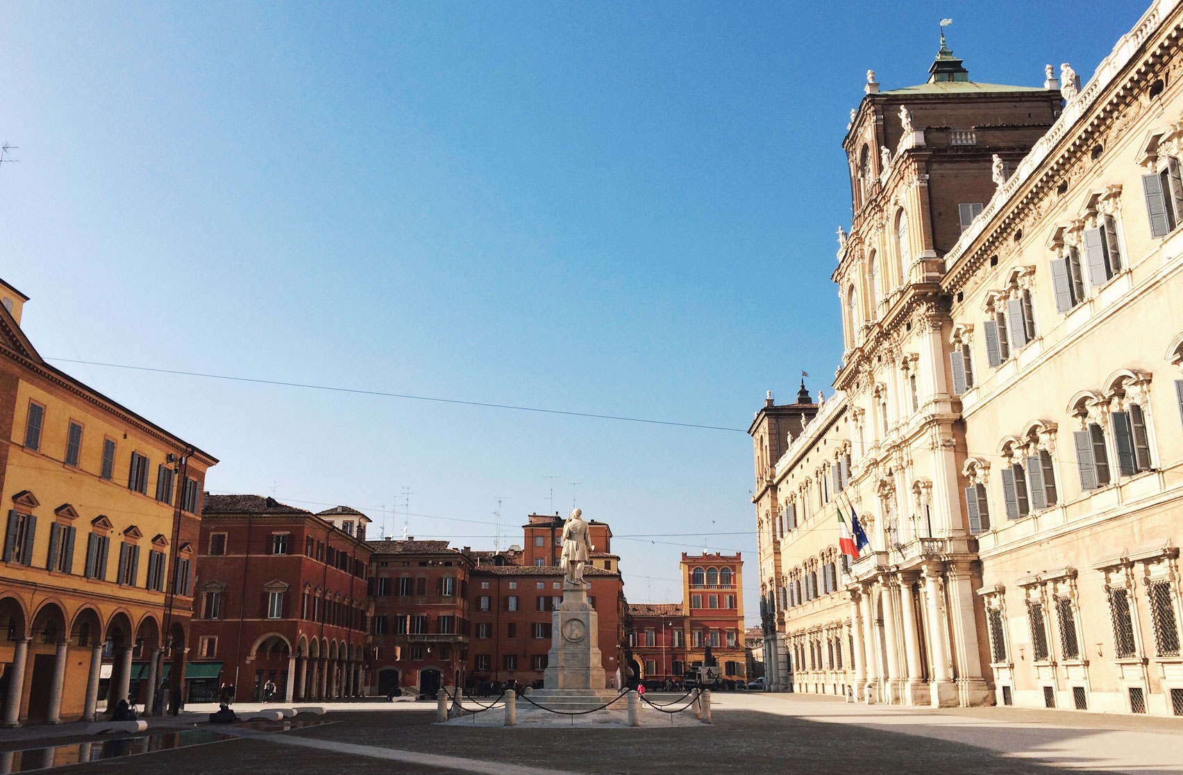 La_Modena_dei_canali_PiazzaRoma_Modena