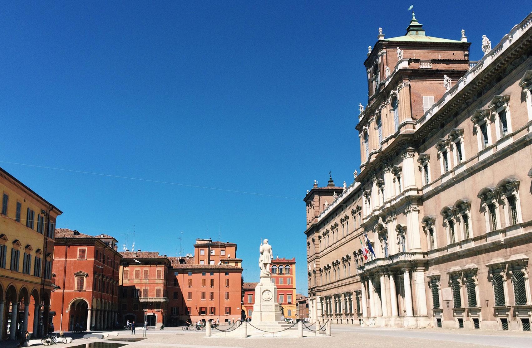 Weekend_Modena_48ore_per_godersi_il_centro_città_PiazzaRoma_MyModenaDiary_StefaniaFregni