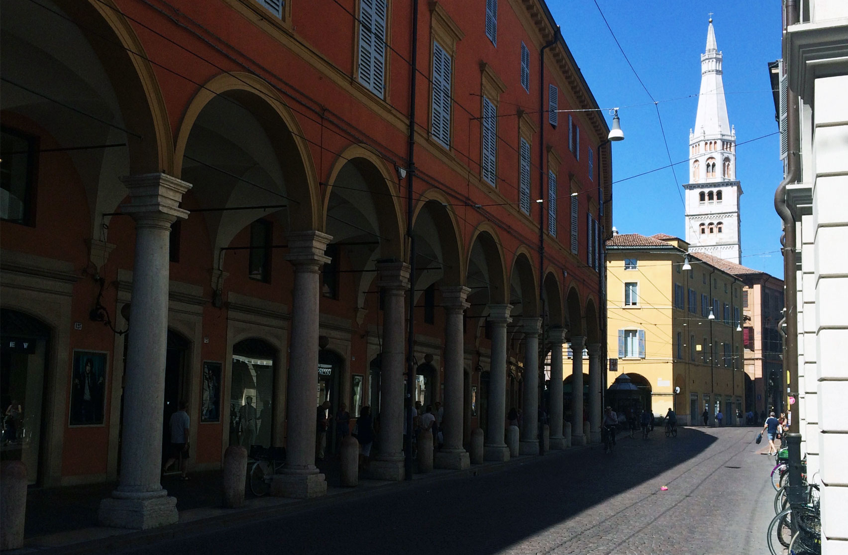 Weekend_Modena_48ore_per_godersi_il_centro_citta_ViaEmiliaCentro_MyModenaDiary_StefaniaFregni