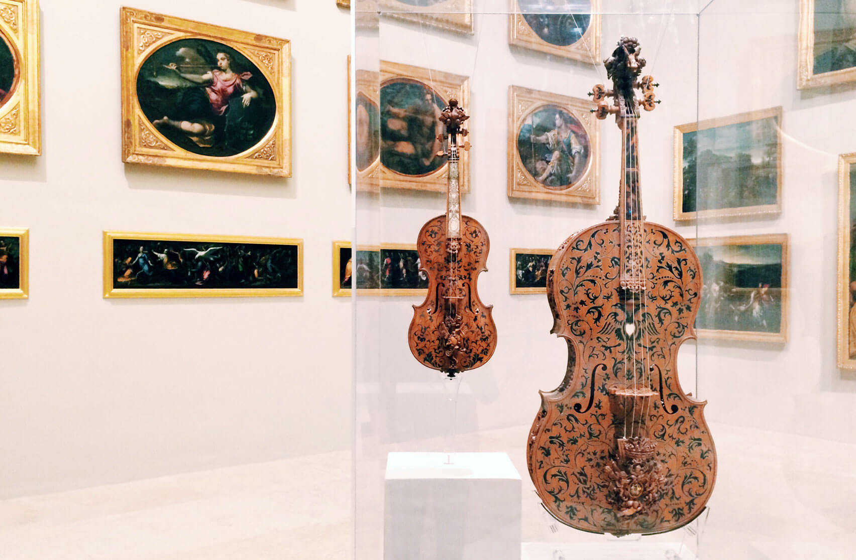 Estense Gallery in Modena - Cello and Violin, made of maple wood by luthier Domenico Galli,