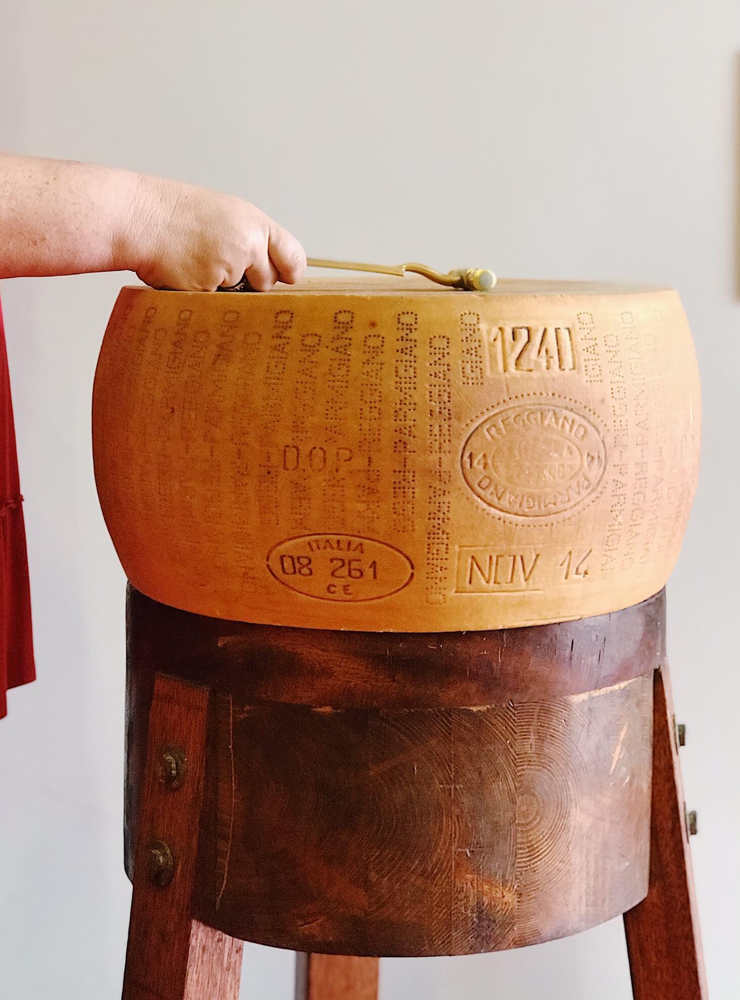 Parmigiano Reggiano Ispezione di Stagionatura Caseificio 4 Madonne
